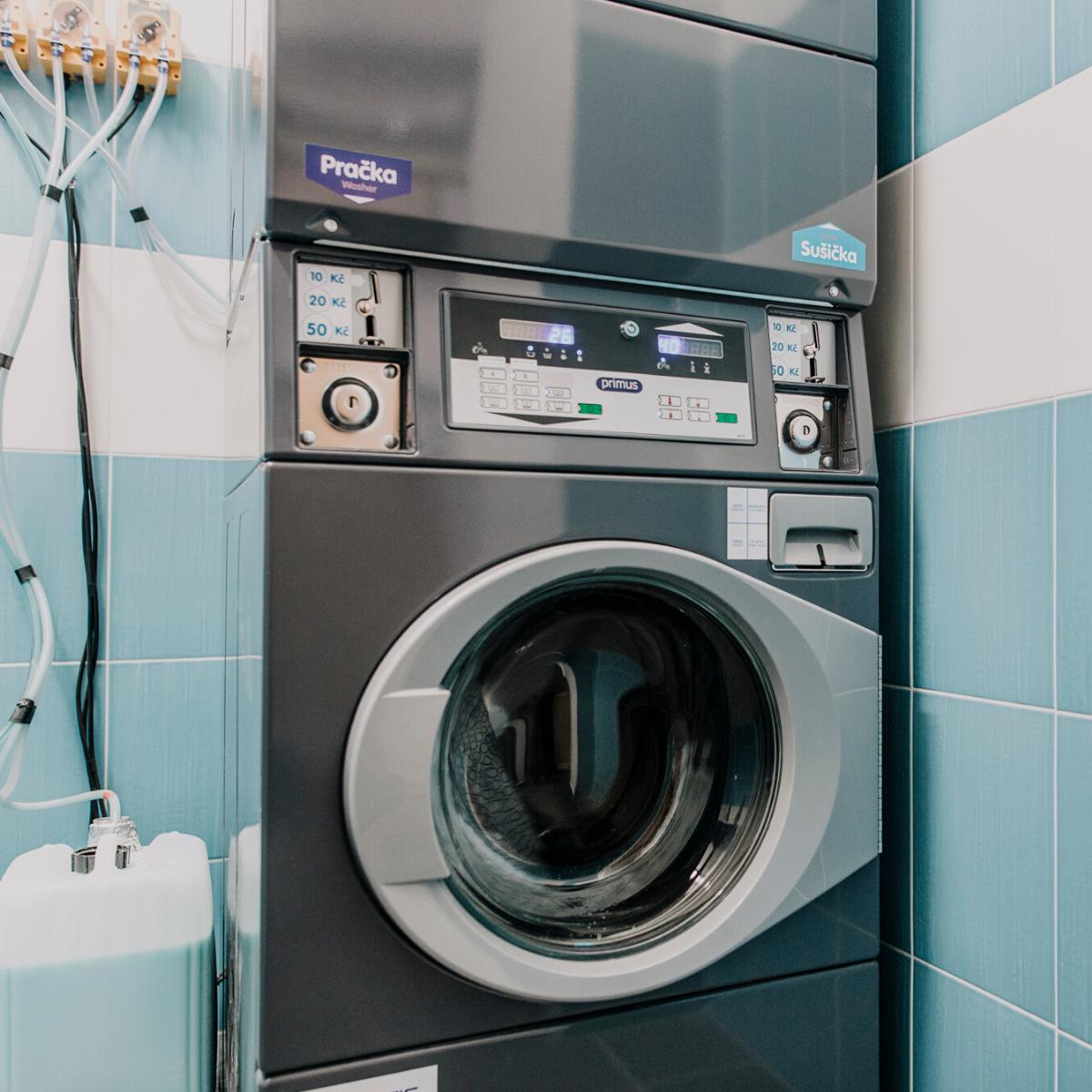 Kolej Jinak, Prádelna Jinak - Pračka a sušička